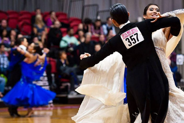 Dance Lessons | Strictly Ballroom Dance Centres